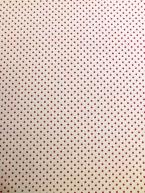 Červený puntíček na bílé