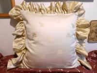 Povlak s kanýrem Lilie béžová